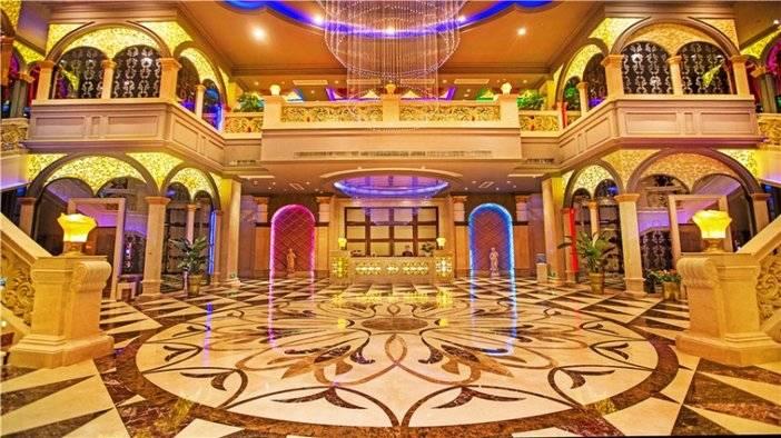 武汉恒大酒店娱乐中心一楼大厅.jpg