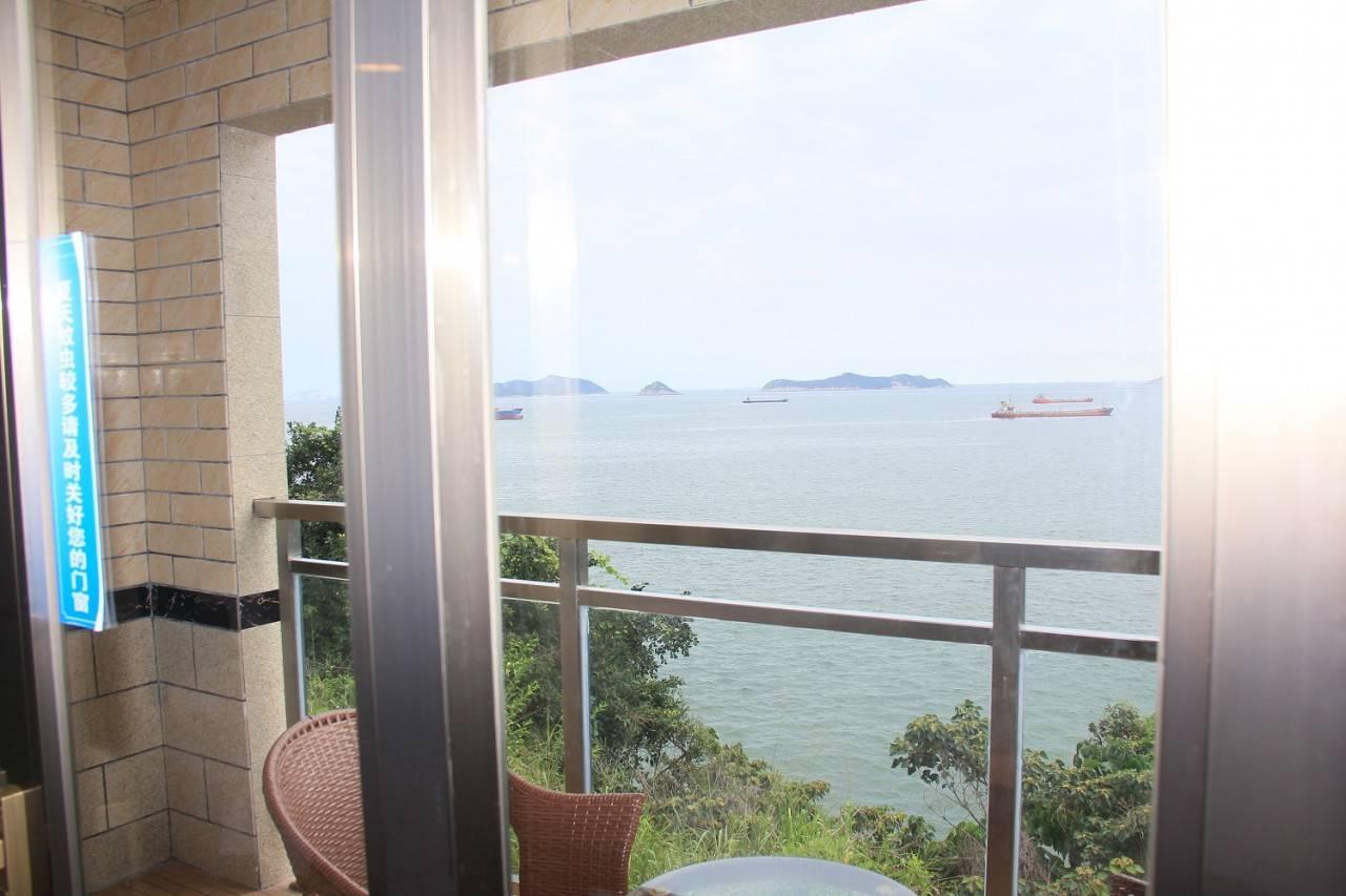 阳台海景双人房2.jpg